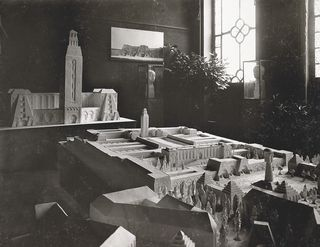 LMHannover-Modell_der_TET-Stadt_in_der_Ausstellung_im_Kunstverein_Hannover_1917_Hannover_Bahlsen-Archiv