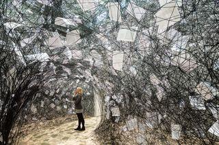 Shiota_Love_letters_2013_Installationsansicht